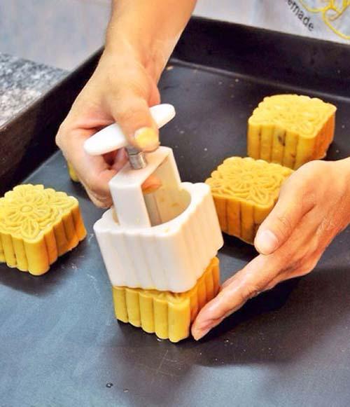 Cách làm bánh trung thu nhân đậu xanh (4)