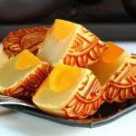 Cách làm bánh trung thu nhân đậu xanh trứng muối