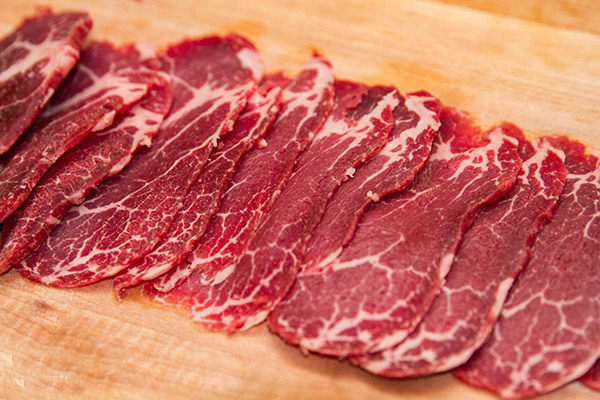 Cách thái thịt bò chuẩn nhất cho 3 món xào, kho và nhúng phở