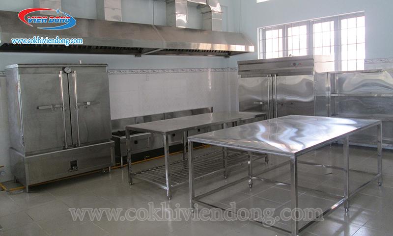 Bàn bếp bằng Inox